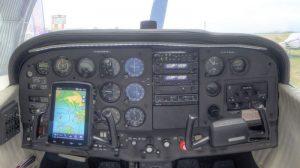 cockpit cessna_172rg.jpg